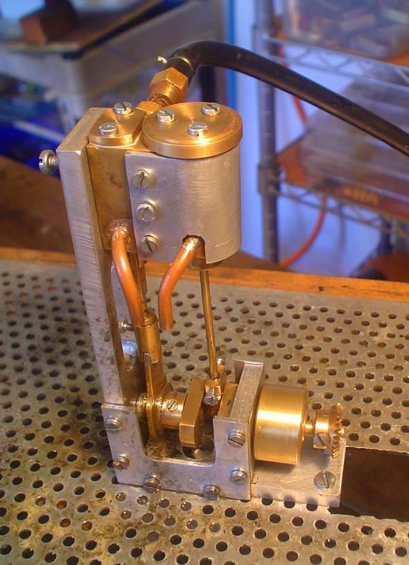un moteur rapide de 0.35 cm3